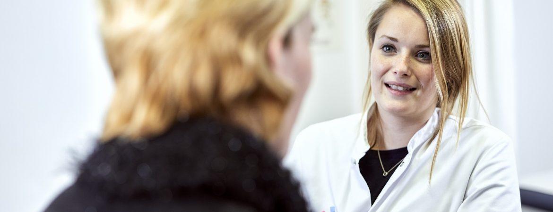 Arts en patiënt in gesprek MUMC+